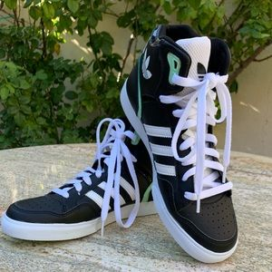 NEW Adidas Originals Extaball Hightop Sneakers
